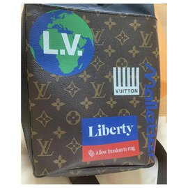 Louis Vuitton-Chalk-Dark brown