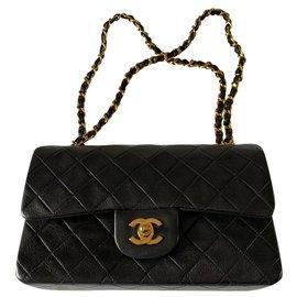 Chanel-Sac à rabat doublé intemporel Chanel-Noir