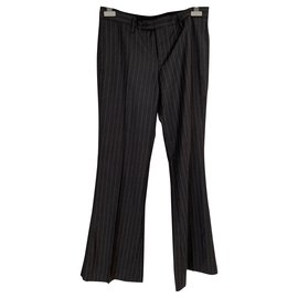 Gucci-Un pantalon, leggings-Gris