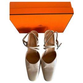 Hermès-Heels-Beige