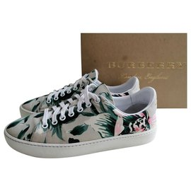 Burberry-Sneakers-Green