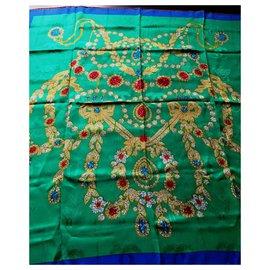 Cartier-Foulards de soie-Multicolore