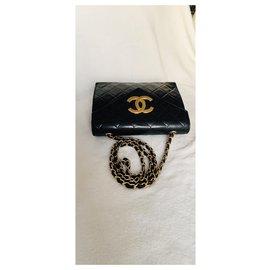 Chanel-Sac à rabat classique intemporel-Noir