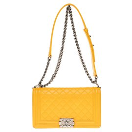 Chanel-Chanel Boy old medium (25cm) in yellow buttoned quilted leather and hardware in aged silver metal-Yellow