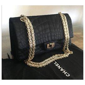 Chanel-Sac à rabat Chanel réédition satin noir-Noir