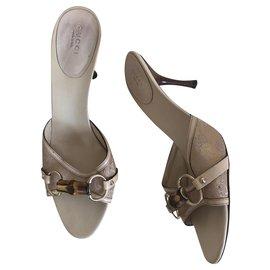 Gucci-Des sandales-Beige