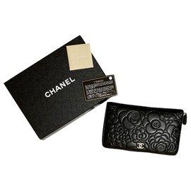Chanel-Companion Camellia-Black