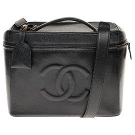 Chanel-Superb and rare Chanel Vanity Case in black caviar leather with strap, garniture en métal doré-Black