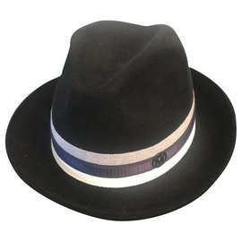 Maison Michel-chapéu-Preto