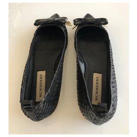 Burberry-Python skin flats-Black