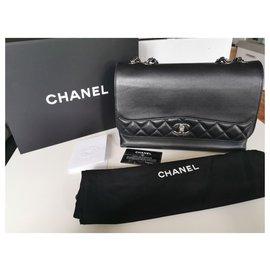 Chanel-Tramazzo-Black