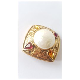 Goossens-Pins & brooches-Red,Golden,Cream,Coral