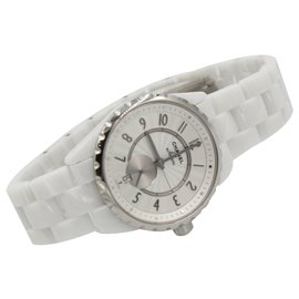 Chanel-Chanel watch J12 in white ceramic-White