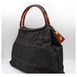Chanel-Chanel handbag in grey denim-Gris