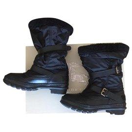 Burberry-Burberry furry boots-Black