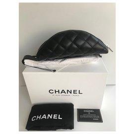 Chanel-Chanel black lambskin belt bag . neuf-Black