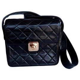 Chanel-Chanel CC pushlock Square-Noir