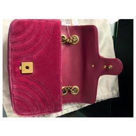 Gucci-Gucci GG Marmont Matelasse Velvet ini-Pink