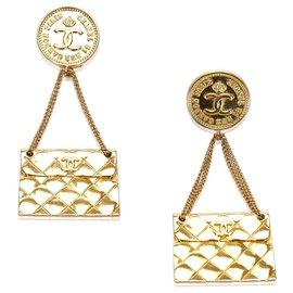 Chanel-Boucles d'oreilles Chanel porte-monnaie en or-Doré