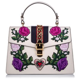 Gucci-Gucci White Medium Embroidered Leather Sylvie Satchel-White,Multiple colors