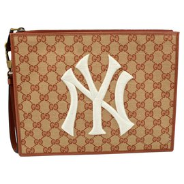 Gucci-Gucci clutch in monogram canvas – New York Yankees collection.-Beige