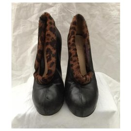 Fendi-Fendi vintage pumps with leopard print-Black,Leopard print