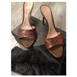 Gucci-Heels-Light brown