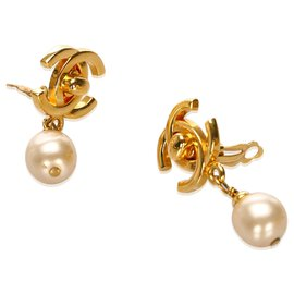 Chanel-Chanel Gold Faux Pearl CC Clip-On Earrings-White,Golden