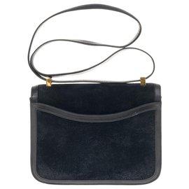 Hermès-Rare Hermès Constance Doblis en cuir box et peau retournée bleu marine, garniture en métal plaqué or-Bleu Marine