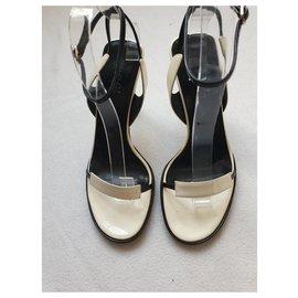 Gucci-Sandales noires et crème-Écru
