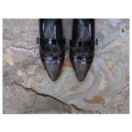 Louis Vuitton-Heels-Brown