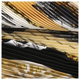 Hermès-Écharpe en soie plissée noire Hermes-Noir,Multicolore