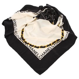 Chanel-Foulard en soie imprimé CC noir Chanel-Noir,Doré