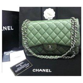 Chanel-Sac à rabat doublé classique Chanel Jumbo-Vert olive