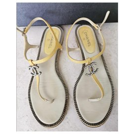 Chanel-Chanel CC yellow summer sandals EU39-Yellow