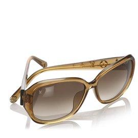 Louis Vuitton-Louis Vuitton Brown Round Tinted Sunglasses-Brown