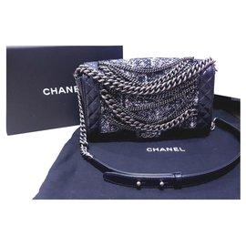 Chanel-Chanel cuir moyen, sac garçon en tweed et chaîne-Noir