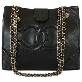 Chanel-Vintage-Noir