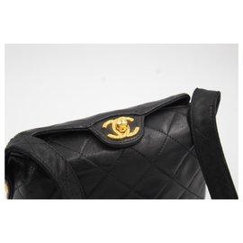 Chanel-Chanel handbag in black lamb leather-Noir