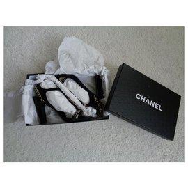 Chanel-Calcanhares-Preto