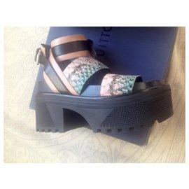Louis Vuitton-Vuitton  Gamble diva platform Sandals-Multiple colors