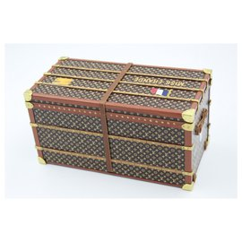 Louis Vuitton-Louis Vuitton Collectible Small Paperweight Miss France Mini Trunk-Brown