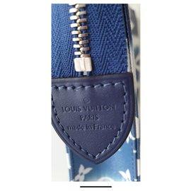 Louis Vuitton-Clutch-Taschen-Dunkelblau