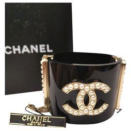 Chanel-Chanel CC pearl black cuff bracelet-Black