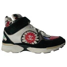 Chanel-CHANEL Multicolour sneakers model RARE GOOD CONDITION T39,5 fr-Multiple colors