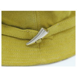 Burberry-BURBERRY ANIS GREEN SUEDE HAT SIZE L-Light green