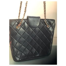 Chanel-Handbag worn on the shoulder-Black