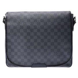 Louis Vuitton-Louis Vuitton Daniel MM-Black