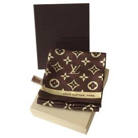 Louis Vuitton-Cache col Louis Vuitton en soie neuf-Marron foncé