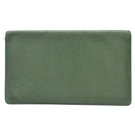 Louis Vuitton-Louis Vuitton Taiga Leather Long-Green